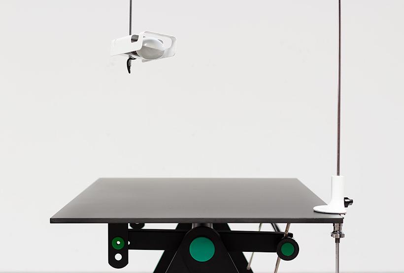 Joe Colombo Desk lamp Spider for Oluce 1960 img 5