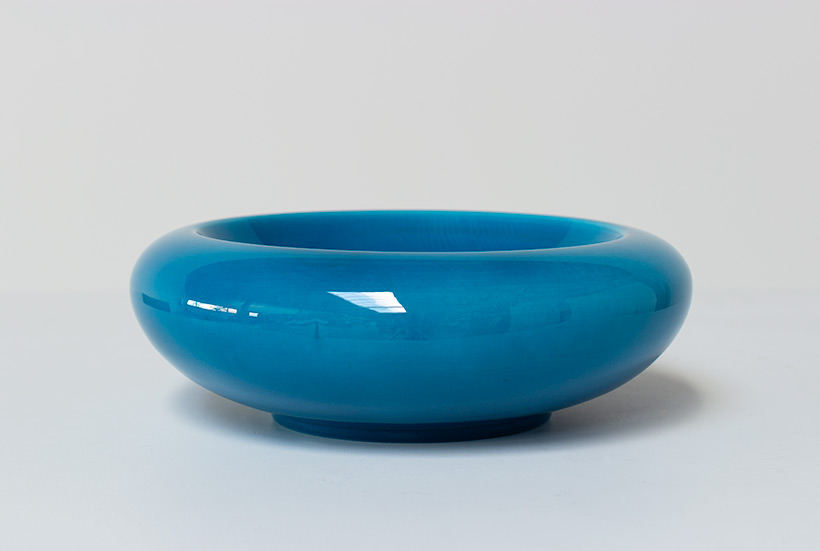 Large ceramic bowl bright cyan blue colored circa 1970 Italy img 6