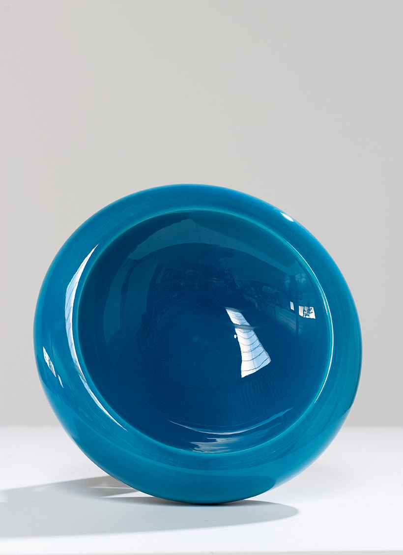 Large ceramic bowl bright cyan blue colored circa 1970 Italy img 7