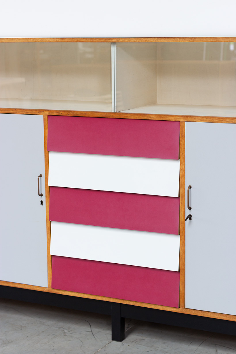 Large modernism Formica sideboard with a play of colors circa 1950 img 4
