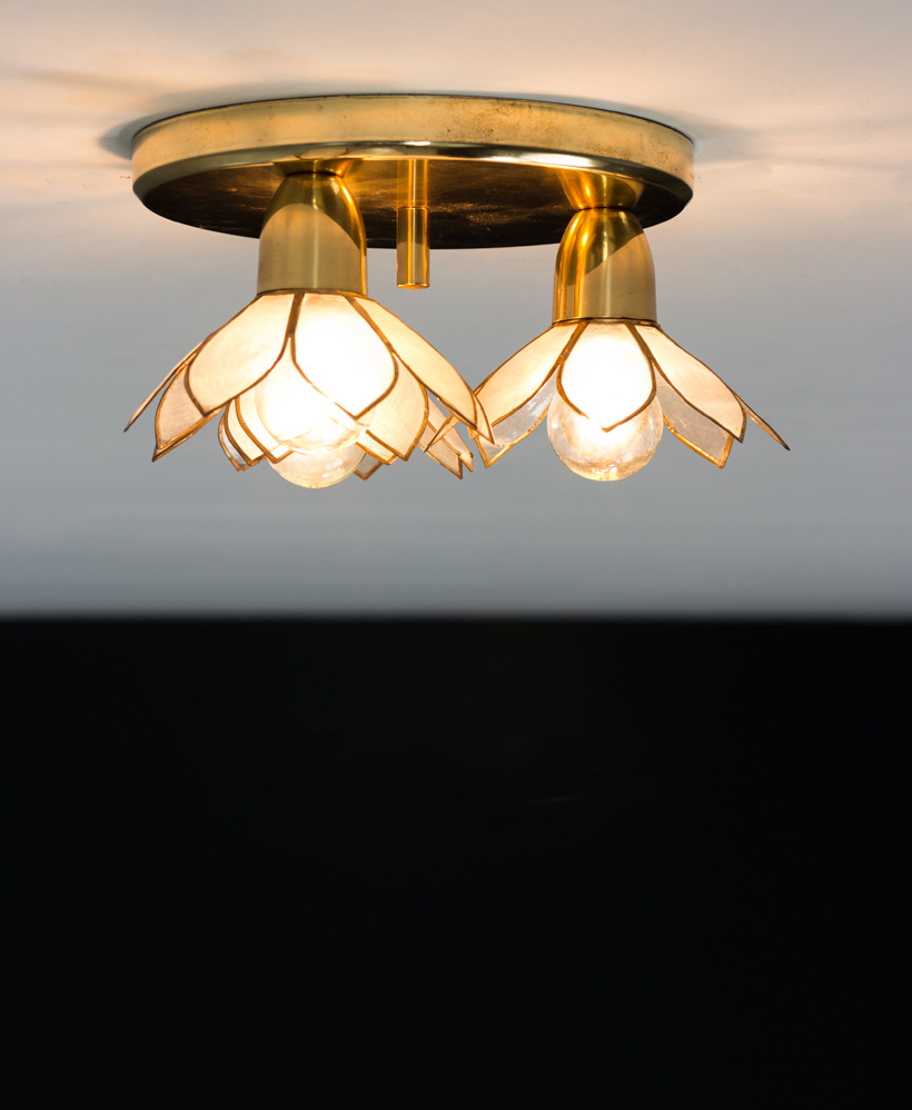 Lotus flower ceiling lamp Mother of Pearl Boulanger img 5
