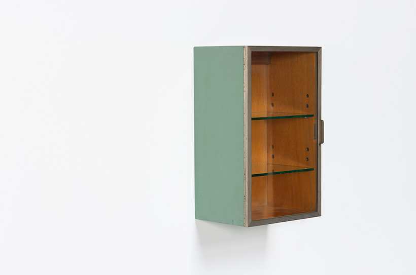 Modernist Pharmacy cabinet by H. Pander The Netherlands 1930 img 3