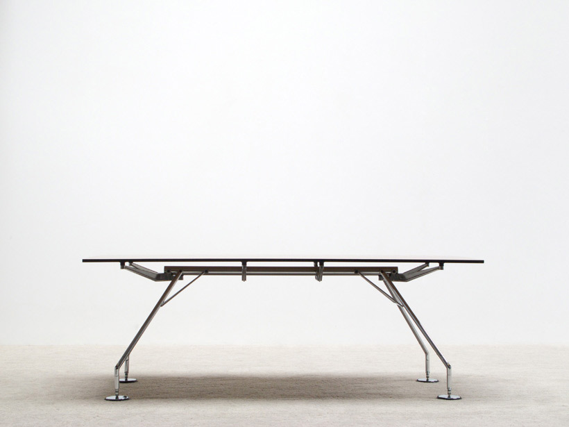 Norman Foster industrial table Nomos for Tecno