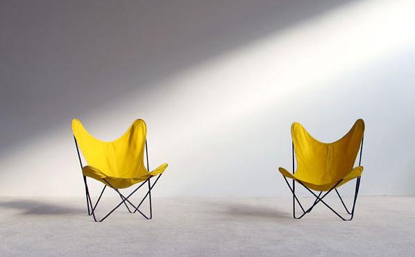 Pair of Jorge Ferrai Hardoy lounge chairs