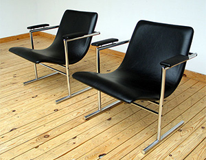 Pair of Rudi Verelst easy chair for Novalux