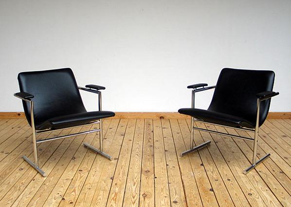 Pair of Rudi Verelst easy chair for Novalux