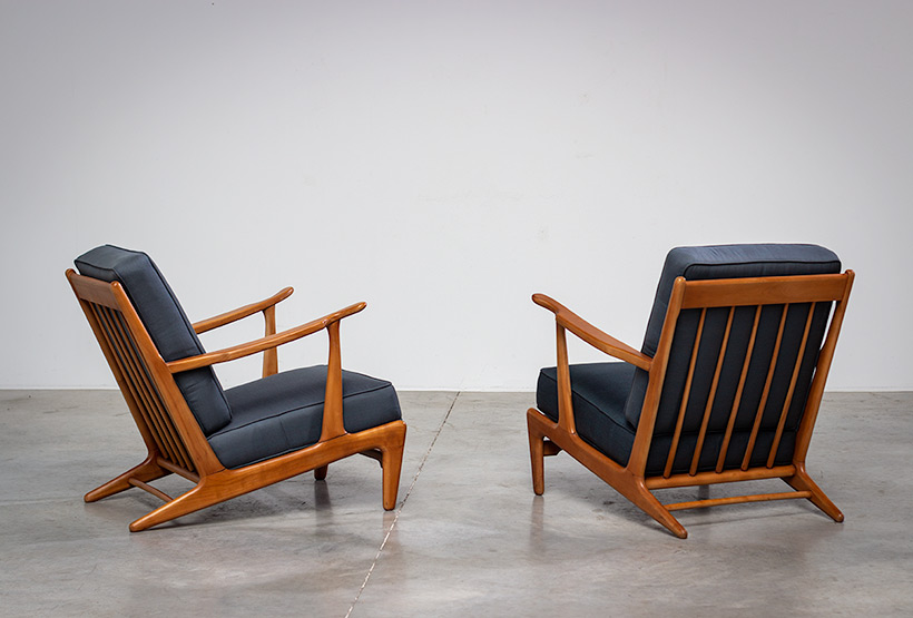 Pair of sculptural Scandinavian Lounge Chairs Mid Modern design 1960s img 5