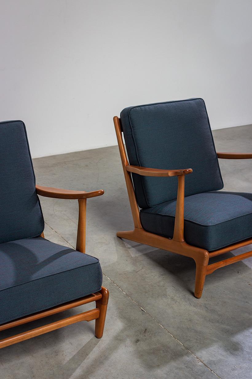 Pair of sculptural Scandinavian Lounge Chairs Mid Modern design 1960s img 9