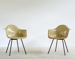 Pair of Zenith Charles Eames DAX fiberglass shell chairs