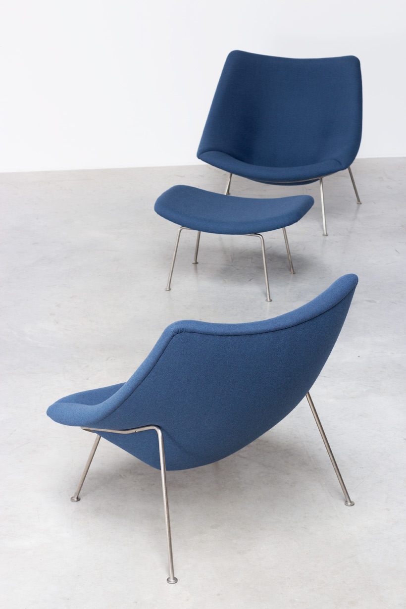 Paulin Pierre Oyster F159 pair of lounge chairs with ottoman Artifort