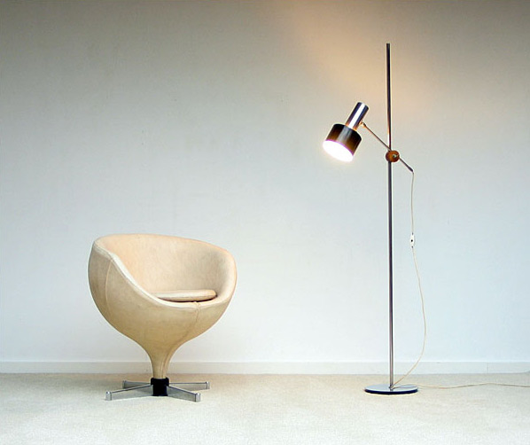 Pierre Guariche ball side chair model Luna Meurop 1960