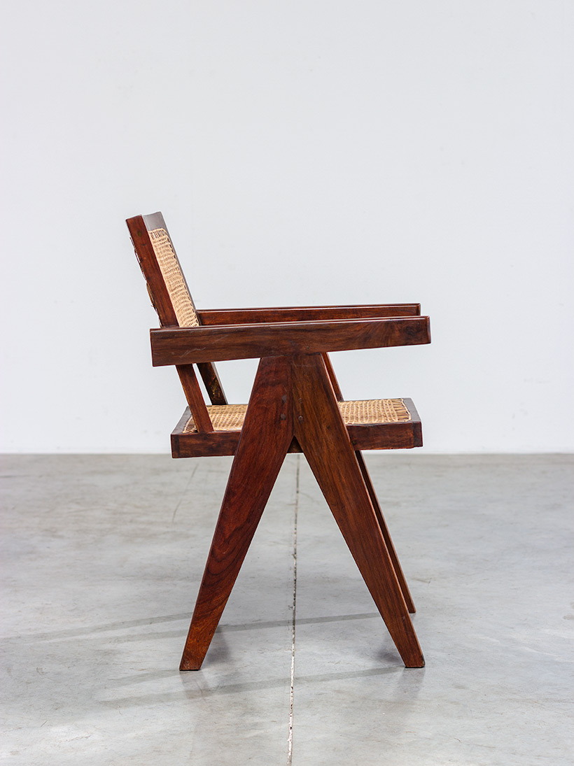 Pierre Jeanneret Armchair or office chair Chandigarh India 1950 img 3