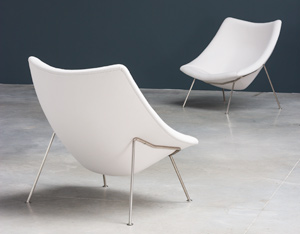 Pierre Paulin pair of Oyster F159 lounge chairs and ottoman Artifort