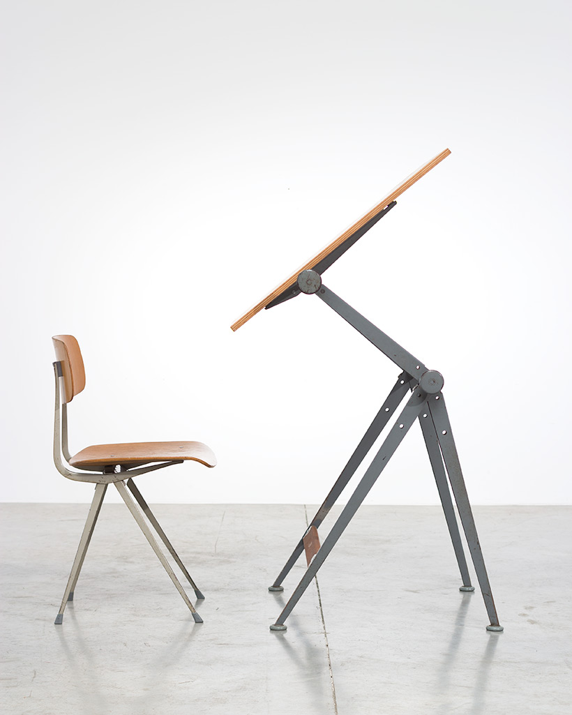 Reply drafting table designed by Wim Rietveld and Friso Kramer chair img 3