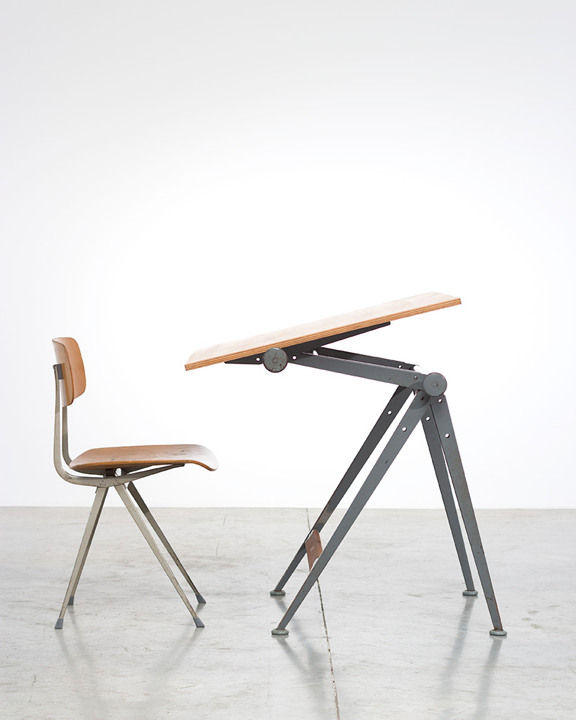 Reply drafting table designed by Wim Rietveld and Friso Kramer chair img 5