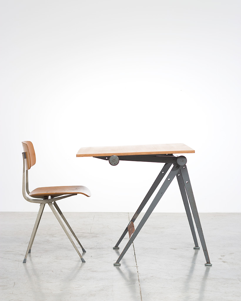 Reply drafting table designed by Wim Rietveld and Friso Kramer chair img 6