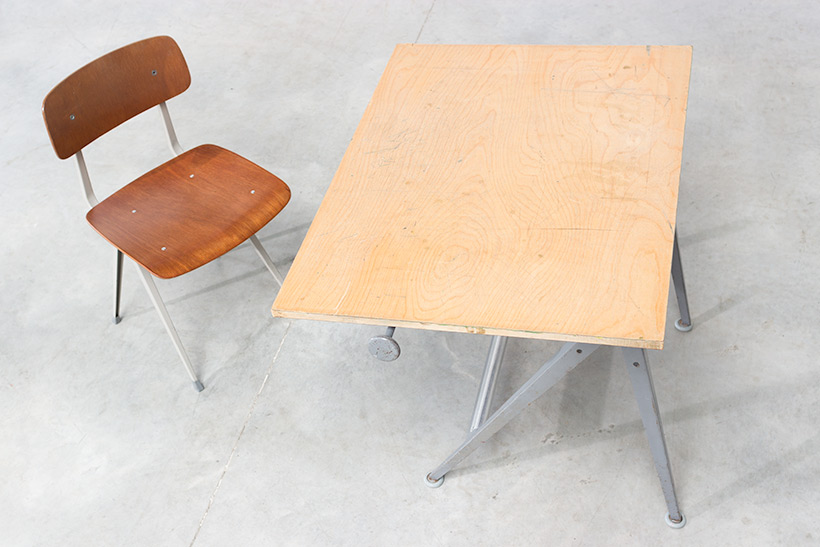 Rietveld Wim Reply drafting table and Friso Kramer Result chair img 8