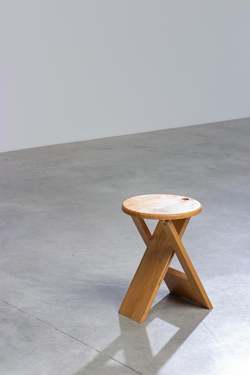 Roger Tallon TS foldable stool Sentou 1970 France img 4