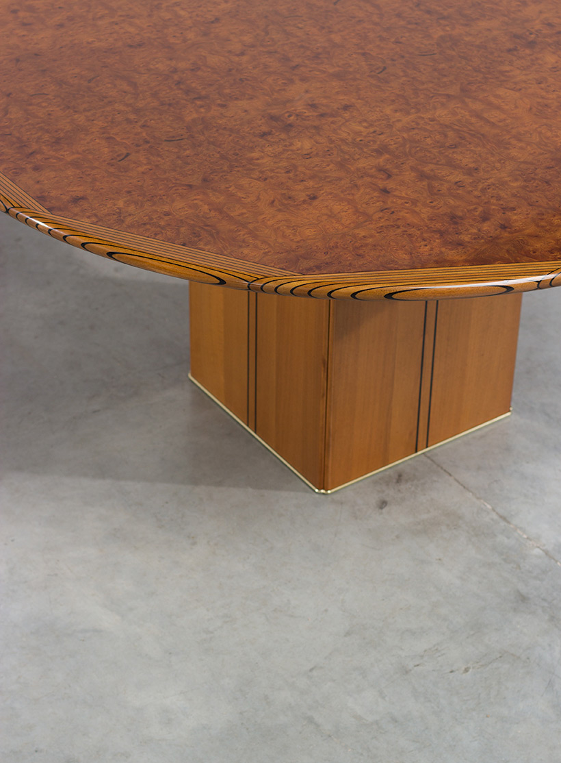 Tobia Scarpa and Afra Scarpa Artona Burl wood Dinning table 1975 img 4