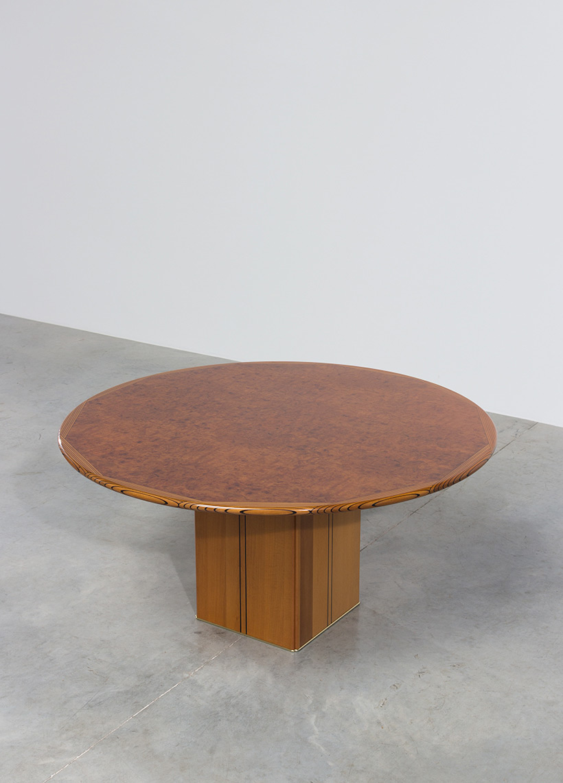 Tobia Scarpa and Afra Scarpa Artona Burl wood Dinning table 1975 img 5