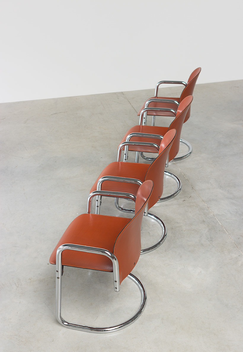 Tobia Scarpa and Afra Scarpa set of four Leather Dialogo chairs img 8