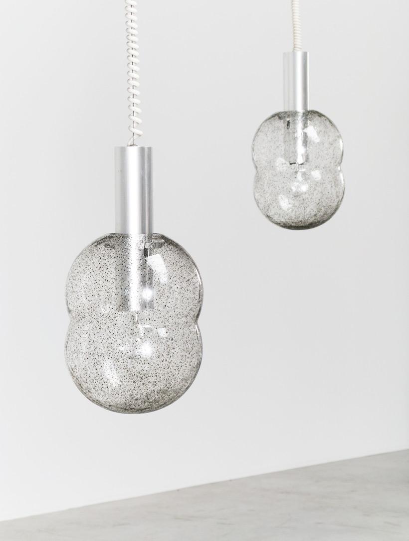 Tobia Scarpa pair of Bilobo pendant lamps Pulegoso glass Flos img 6