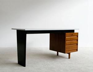 Van den Berghe-Pauvers Jos De Mey modern office desk