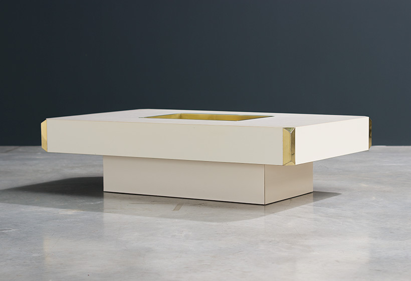 Willy Rizzo Alveo cream colored and brass Low Table 1970 img 3