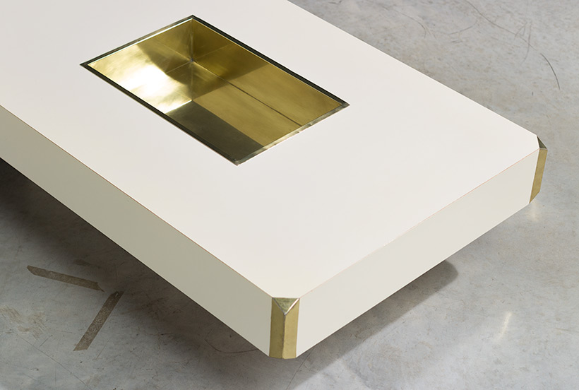 Willy Rizzo Alveo cream colored and brass Low Table 1970 img 4