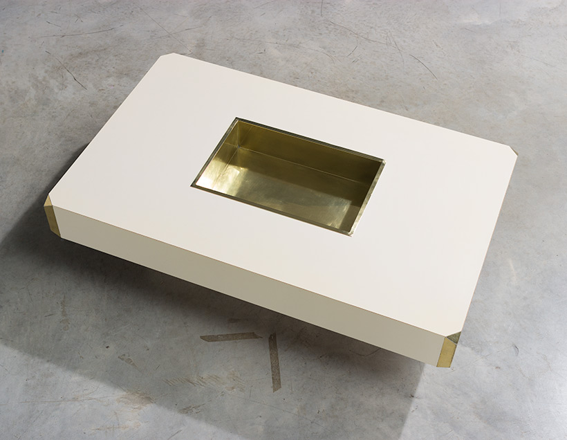 Willy Rizzo Alveo cream colored and brass Low Table 1970 img 5