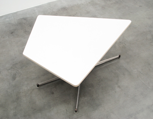 Willy Van Der Meeren HBK dinning table