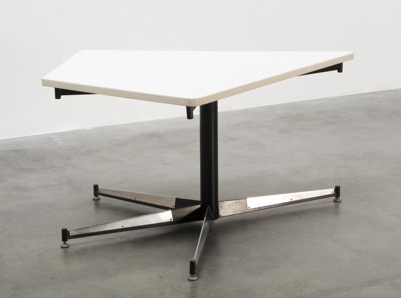 Willy Van Der Meeren HBK dinning table