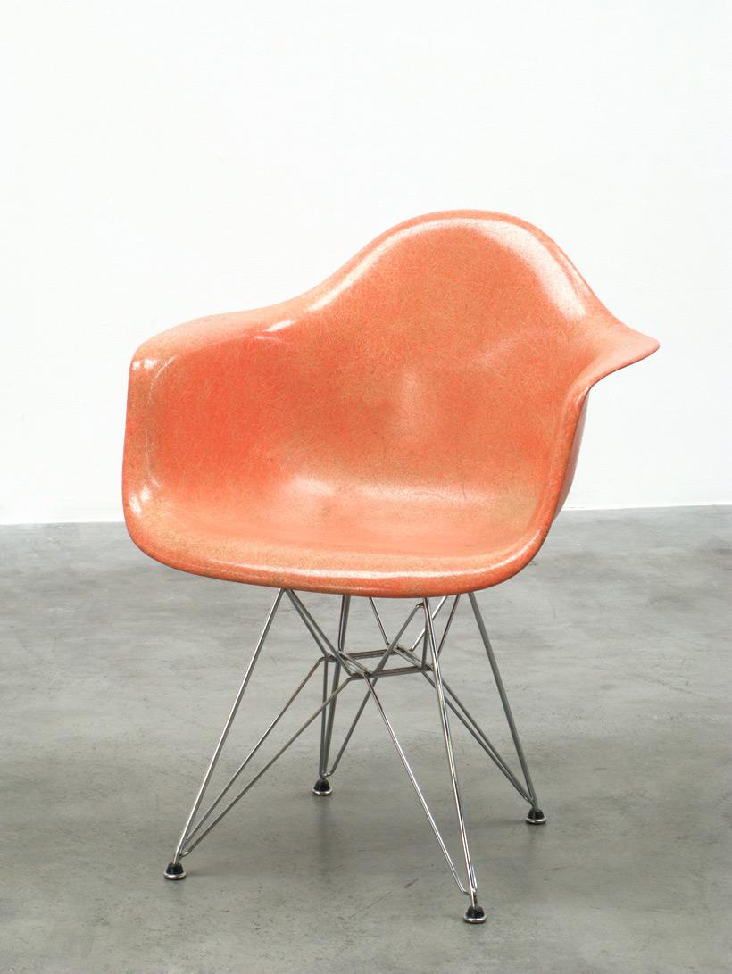 Zenith Charles Eames DAR fiberglass shell chair